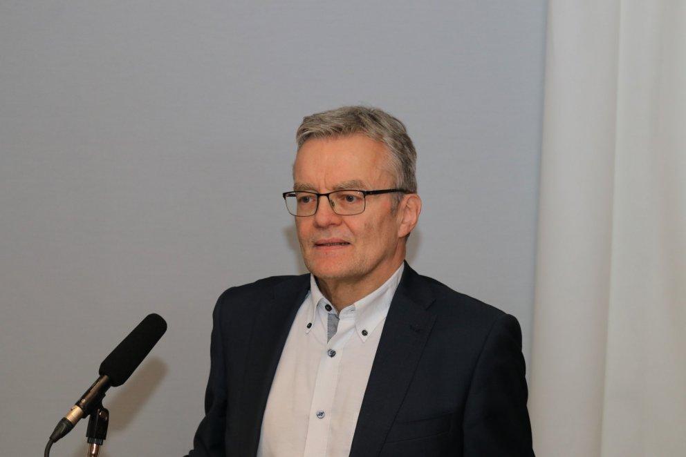 Rúnar Vilhjálmsson prófessor kynnti niðurstöður könnunarinnar á veffundi BSRB.